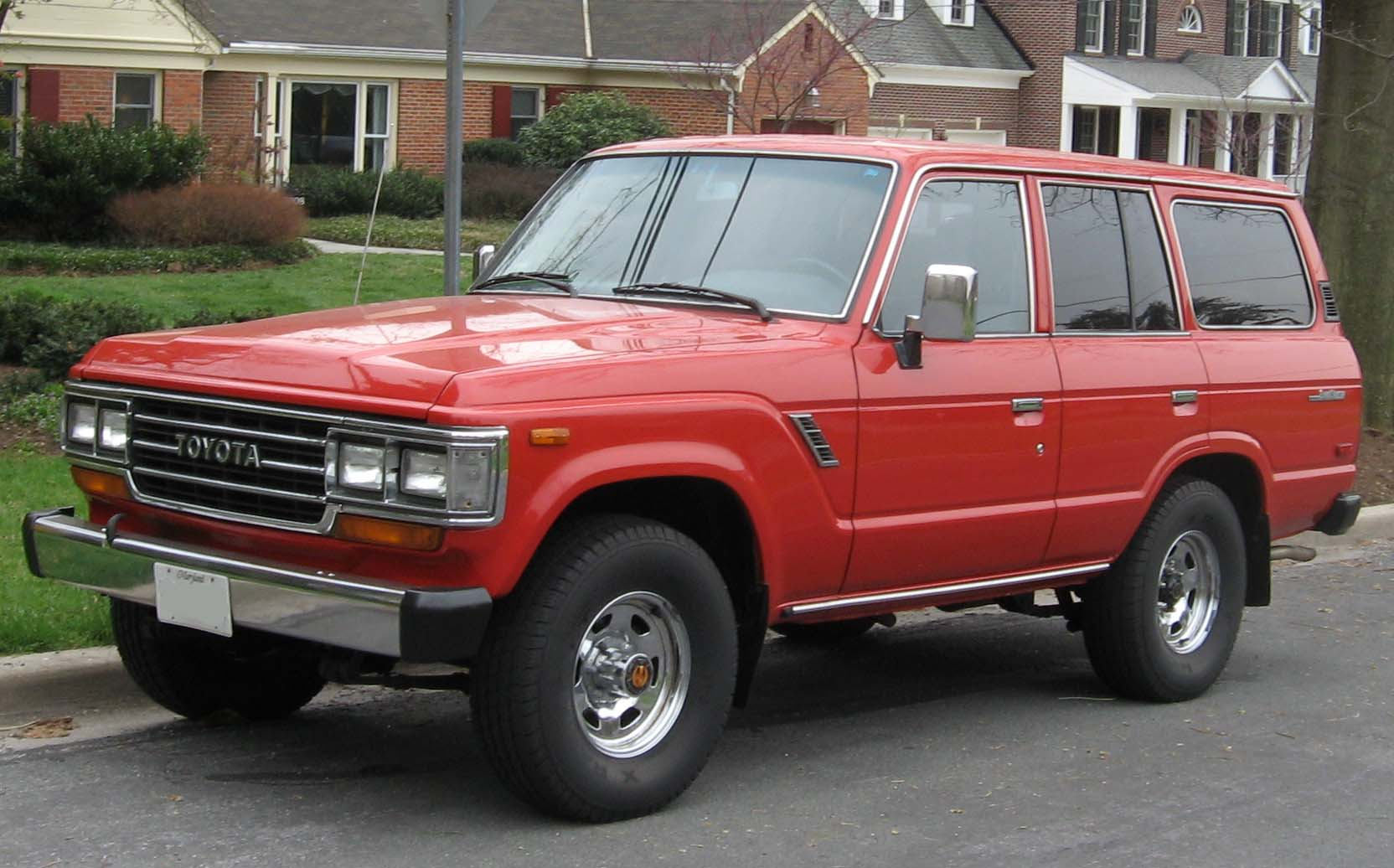 Toyota Land Cruiser | Tractor & Construction Plant Wiki ...