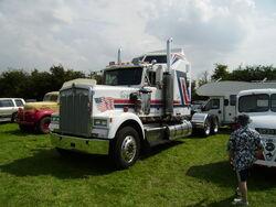 Kenworth tractor unit at Lymswold - P7270153