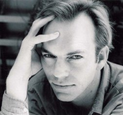 File:HugoWeaving.jpg
