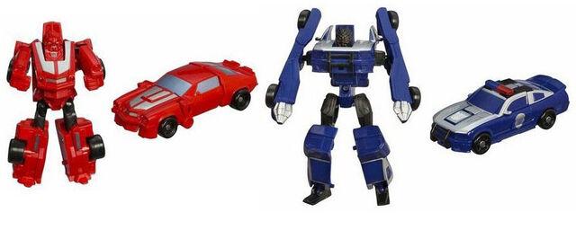File:Movie Legends CliffjumperBarricade toys.jpg