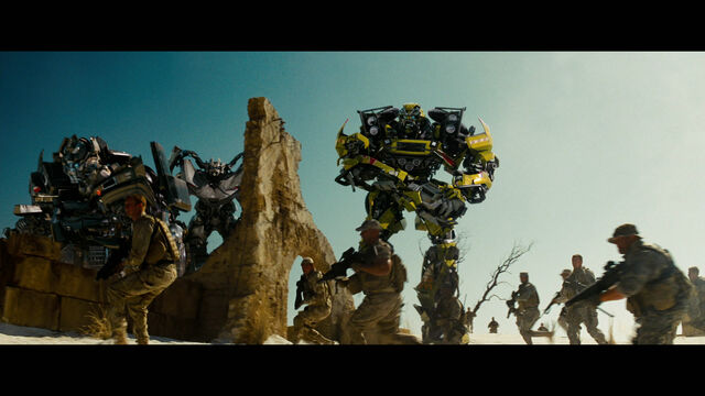 File:Rotf-autobots-film-egypt-2.jpg