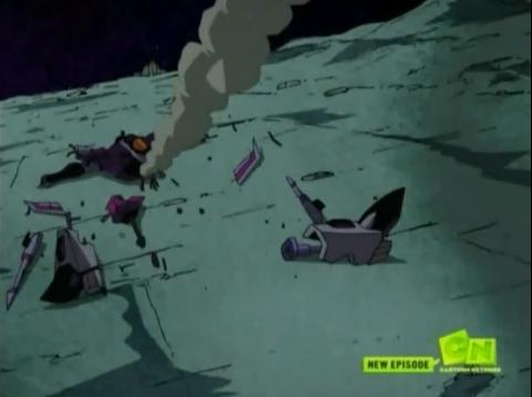 File:Starscream in Pieces.jpg
