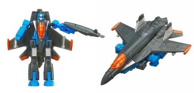 File:Cybertron LOC Thundercracker.jpg