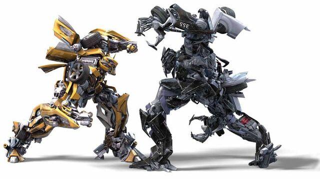 File:Moive-bumblebee&barricade-vs.jpg