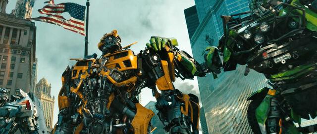 File:Dotm-autobots-film-chicago.jpg
