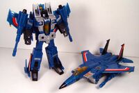 Classics Thundercracker Toy