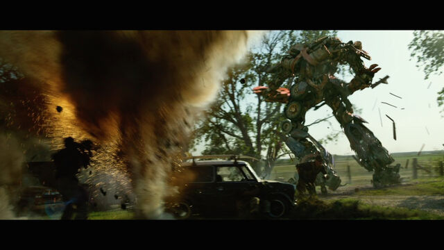 File:Transformers-4-age-of-extinction-movie-screenshot-rusty-optimus-prime.jpg