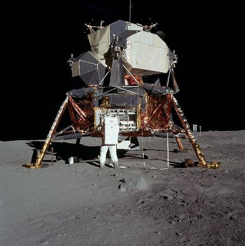 File:Apollo 11.jpg
