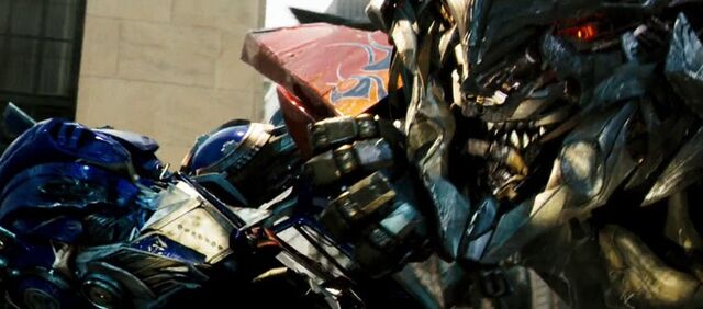 File:Optimus Vs Megatron.jpg