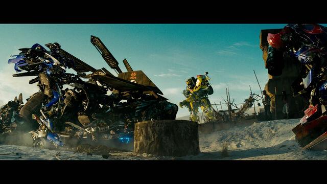 File:Rotf-autobot-film-egypt-1.jpg