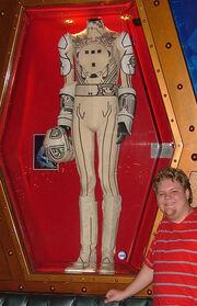 Mrsinistar tron costume