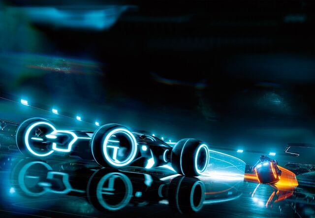 File:TRON lightbike and big thing.jpg