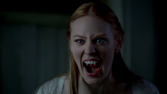 File:3x08 - jessica getting ready to fight a werewolf.jpg