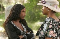 Tara-and-mother season 1