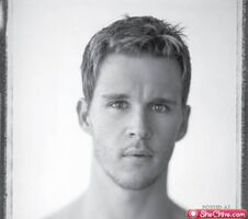 Eye-candy-ryan-kwanten-3