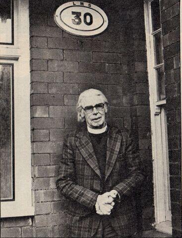 File:Reverend.W.AwdryOutsideHouse.jpg