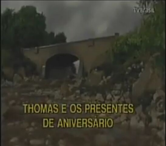 File:ThomasandtheBirthdayMailPortugueseTitleCard.jpeg