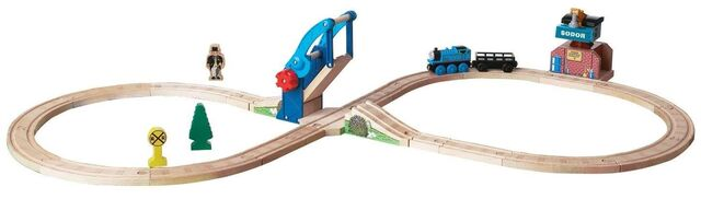 File:WoodenRailwayBridgeAndCraneFigure8Set.jpg