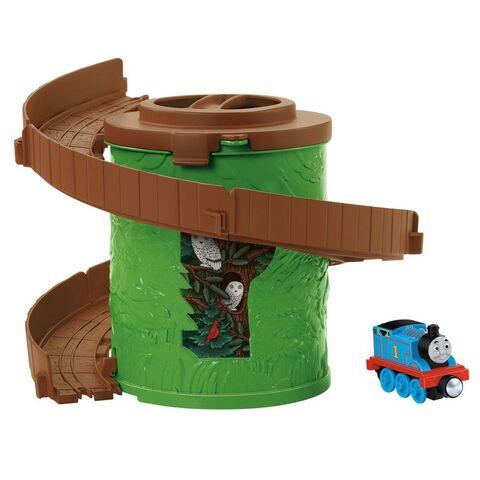 File:Take-n-PlaySpiralTowerTrackswithThomas.jpg