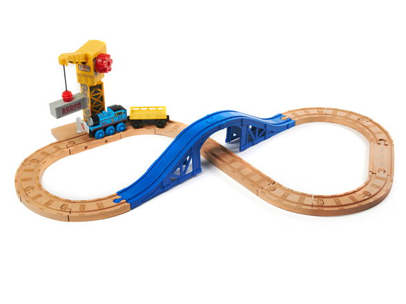 File:WoodenRailwayCargoAndCraneFigure8Set.png