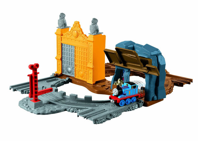 File:Take-n-PlayKingoftheRailwayset.jpg