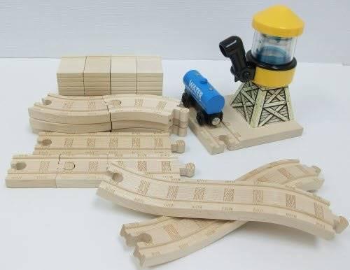 File:WoodenRailwayConductor'sFigure8SetAdvancedExpansionPack.jpg