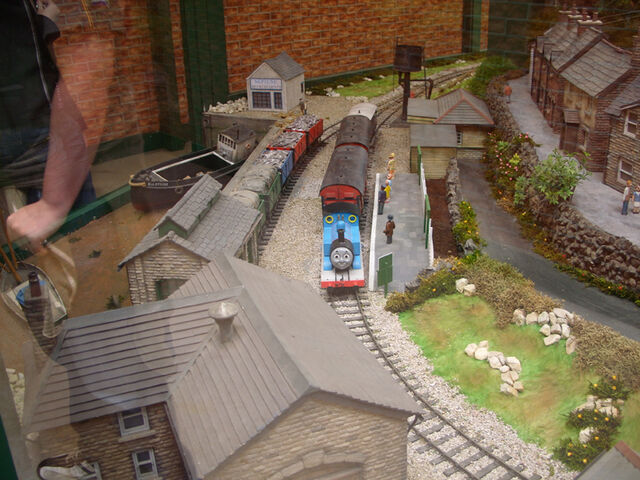 File:ThomasModelDraytonManor1.jpg