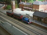 ThomasPullingMailTrainDraytonManor8