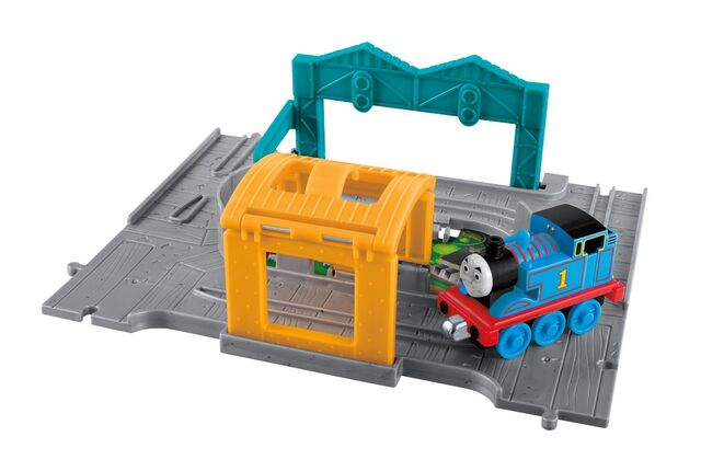 File:Take-n-PlayThomasPortableSet.jpg