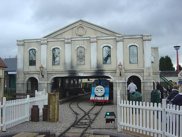 File:KnapfordStationDraytonManor2008.JPG