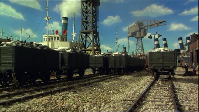 File:ThomasinTrouble(Season11)6.png