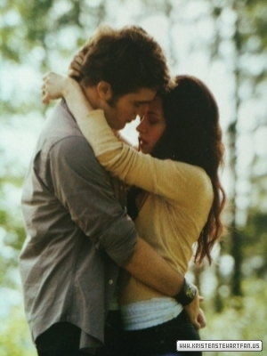 File:Eclipse-Movie-Companion-stills-edward-and-bella-13196476-300-400.jpg