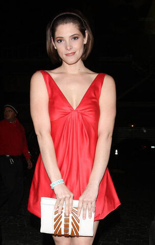 File:Ashley-greene-red-5159-8.jpg