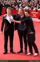 Charlie-bewley-jamie-campbell-bower-and-IYKpmE