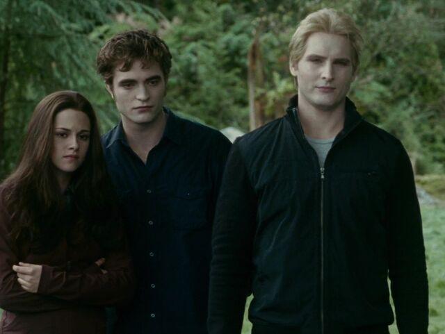 File:Edward, Bella and Carlisle.jpg