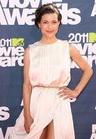 Julia-jones-2011-mtv-movie-awards-01