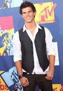 Taylor lautner mtv movie awards 8