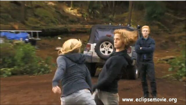 File:Rosalie and Jasper fighting.jpg