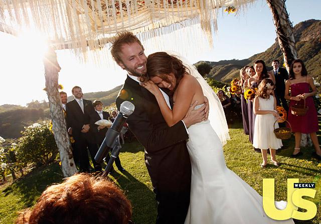File:1319471412 nikki-reed-wedding-3-lg.jpg