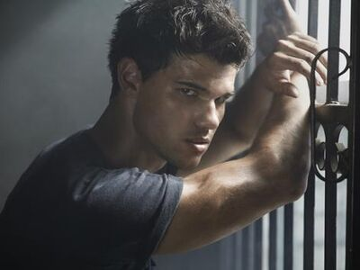 Exclusive-image-of-taylor-lautner-from-total-film-s-abduction-shoot-65041-01-470-75