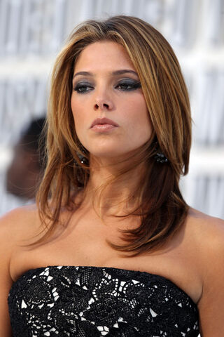 File:Ashley Greene 2010 MTV Video Music Awards uSwkoKfZwsml.jpg