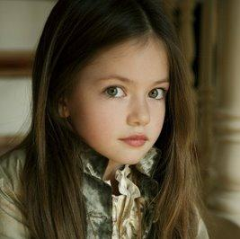 File:MackenzieFoy as RenesmeeCullen.jpg
