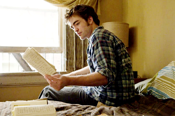 File:Remember-Me-Robert-pattinson.jpg