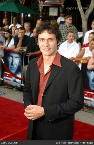 File:Christian-camargo-k-19-the-widowmaker-movie-premiere-d2ZpMq.jpg