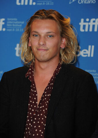 File:Jamie Campbell Bower-photo number three-press-2011-New Moon-Breaking Dawn-part 1,2.jpg