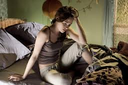 File:Bella swan in sweats 2.jpg