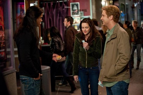 File:Bella-swan-and-the-twilight-saga-new-moon-gallery.jpg