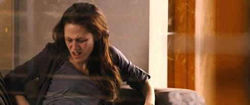 File:Bella feels the baby kick.jpg