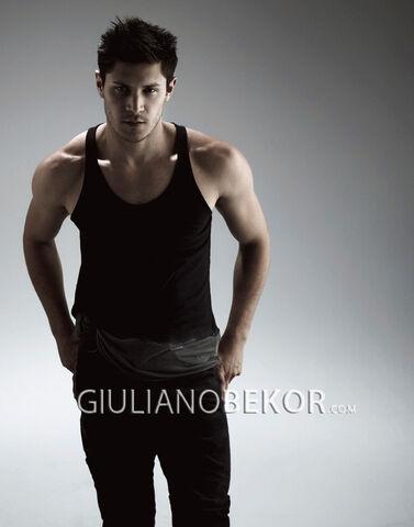 File:Giulianobekor-alexmeraz3.jpg