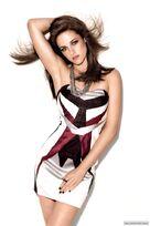 -Glamour-UK-2011-kristen-stewart-26367464-592-888